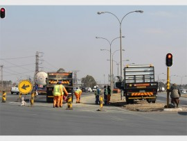 ONE LANE: Swartkoppies Road is being resurfaced.