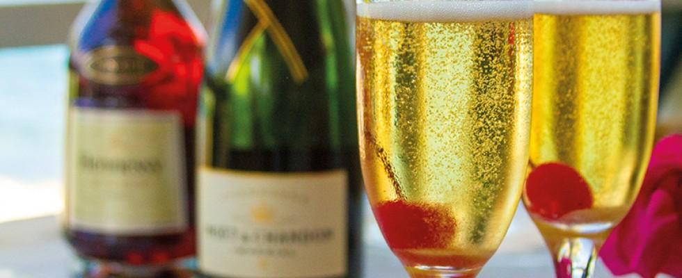 quin-farara-classic-champagne-cocktail-3-341940d8e857ae5c489649eb3ff4fa9a (1)
