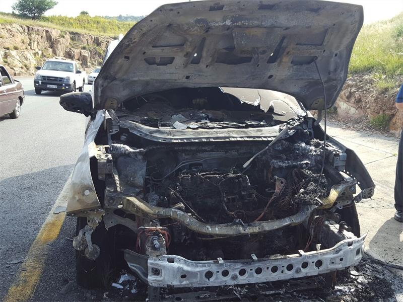 narrow escape from fire for ford driver alberton record. Black Bedroom Furniture Sets. Home Design Ideas