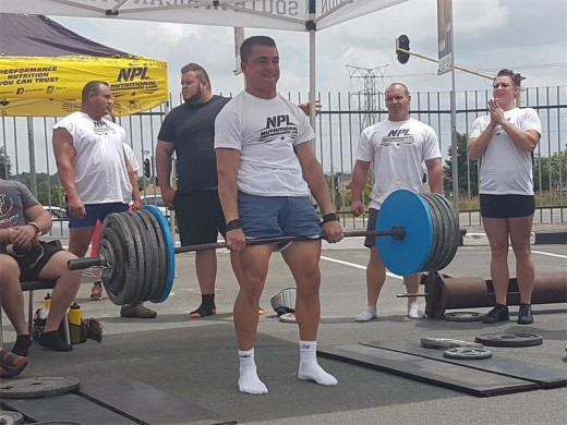 Former Marais Viljoen learner breaks SA deadlift record   Alberton