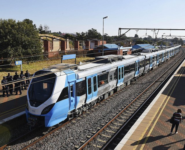 Zuma unveils new Metrorail trains