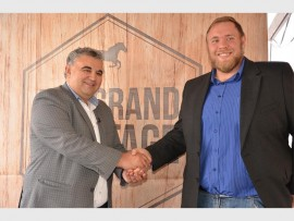 BEST BET: Clyde Basel, Phumelela racing executive, and Ryno du Plessis, national marketing manager from World Sports Betting, concluding the new sponsorship. Photo by Annette van Schalkwyk.