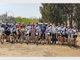 RIDE FOR CHARITY: Alberton High representatives and cyclists join Wendell Bole in his ride for Ethemba Village.