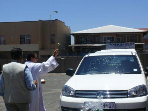 World Giorgio Pagan donates bakkie to Mother Teresa Charity