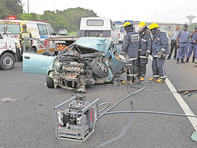 Multiple vehicle crash claims man's life | South Coast Sun