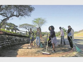 SDCEA takes to the street to honour Madiba on Mandela Day.