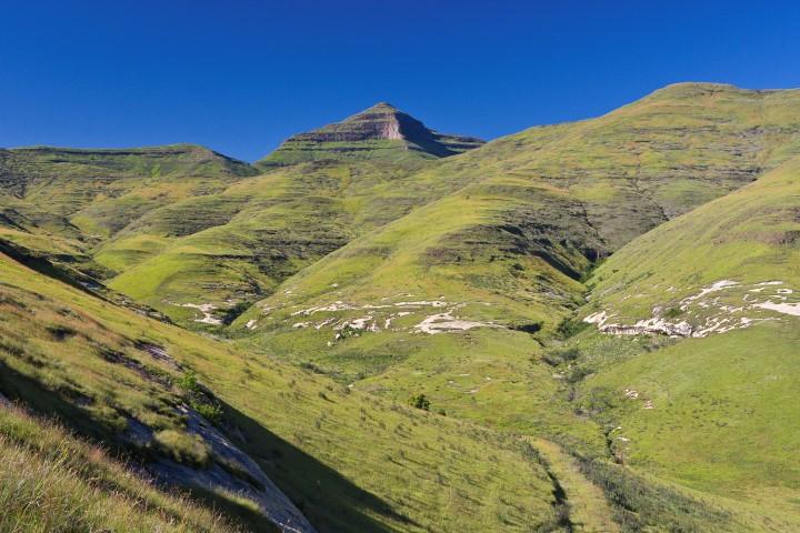 Highest-Mountains-Golden-Gate-Highlands-Nat-Park-Ribbok-Kop-credit-SANParks-Small