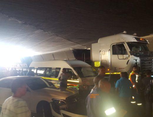 JUST IN: Twenty car pile-up closes Durban's M7 [PHOTOS