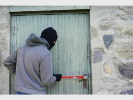 thief-1562699_1920_76517
