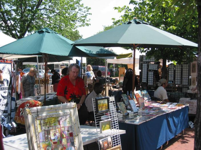 Jatinga arts craft market events lowvelder for Arts and crafts industry