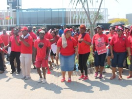 Cosatu members in the province marched to the Nelspruit Police Station to hand over a memorandum of demands to the MEC for public works, roads and transport, Ms Dikeledi Mahlangu.