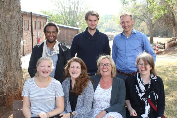 The consulting team from the University of Utrecht: Front FLTR: Mss Anne Christine Makkinye, Jasmin Schous, Marleen van Rijswick, Anoeska Biujze; Back (FLTR) Messrs Benjamin Asanti, Bram Schmidt and Michiel van Willigen.