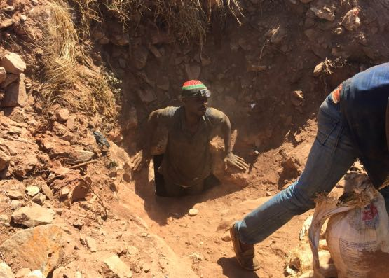 Photo credit – Illegal miner rescued for  Citizen News
