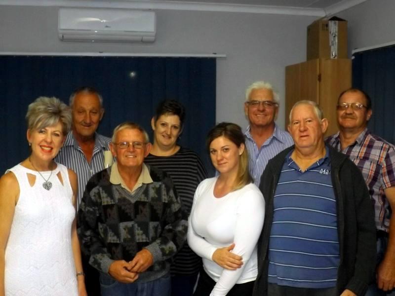 Die Soberheidsgroep: Carine Classen, Willie Findlay, Amanda Loots, Japie van der Westhuizen, (agter) Dirk Myburgh, Adele Moll, Johan Botha en Gawie Nel.
