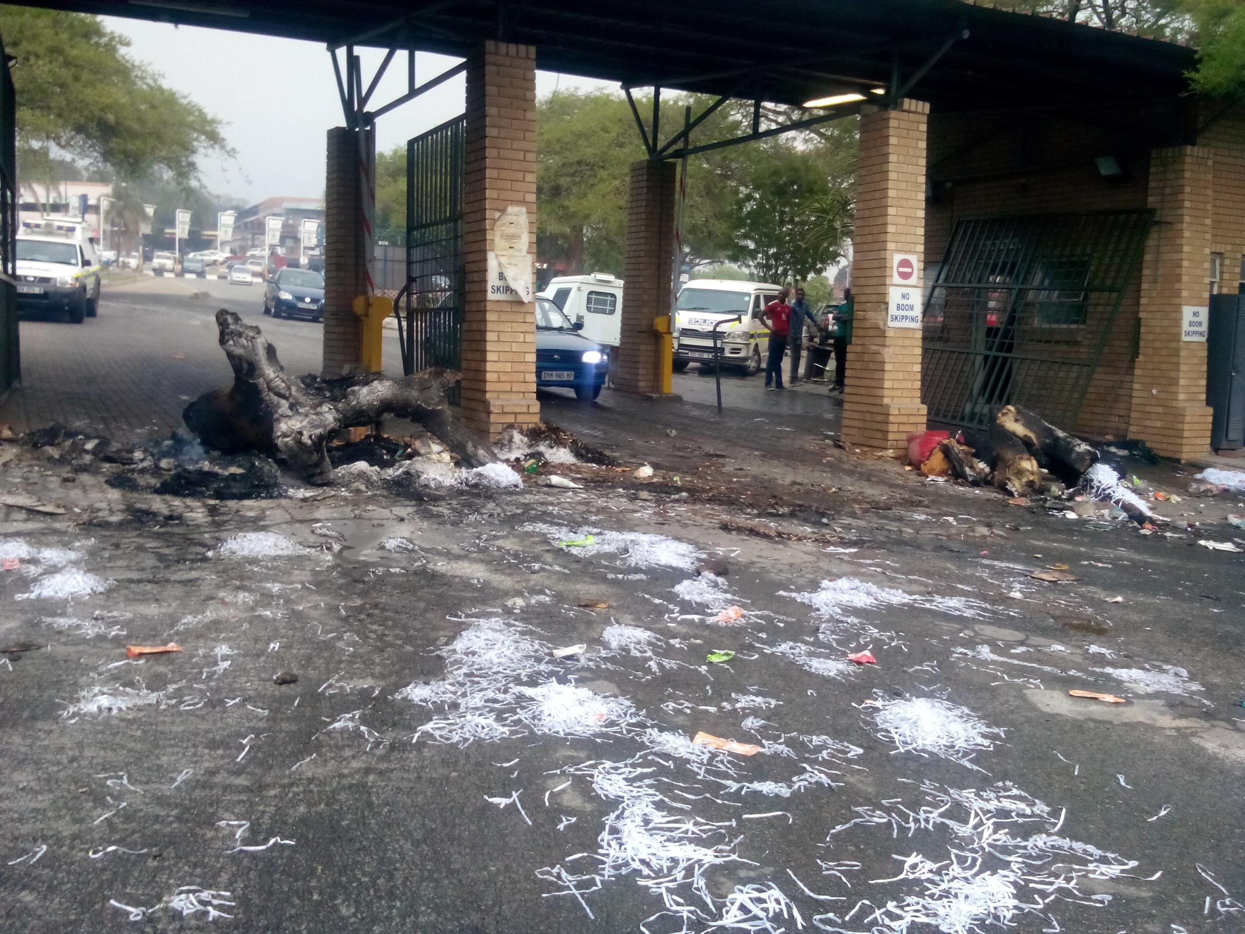 Karino taxi and municipal truck collision kills seven