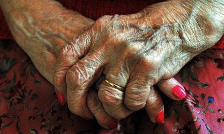Close-up-on-elderly-woman-007