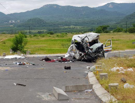 Karino taxi and municipal truck collision kills seven people