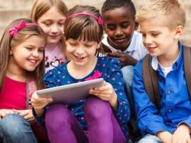 Kids-on-Tablets-22