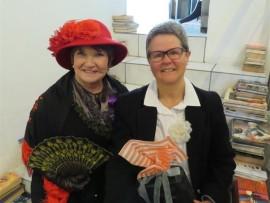 Annette Robbertse en Bets Smith.