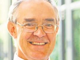 Dr Roelof Botha.