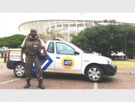 ADT armed response officer, Thobela Gxumisa, was praised by his swift response when he apprehended a thief in Glenwood.