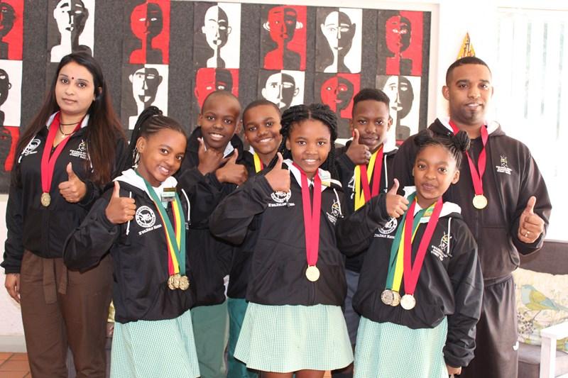 0de0ae034aa4d4 ... Nicole Morris, Nicole Mthembu, (back) Siphesihle Mvubu, Mhlengi Shinga  and Thubelihle Gumede, with manager Sanusha Govender and coach, Jose Africa.