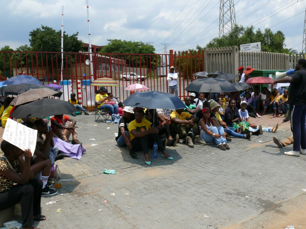 Protesting student at CJC Alex campus teargassed – gallery