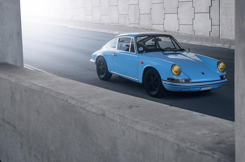 A little, Blue Porsche before a Blue Monday | Alex News