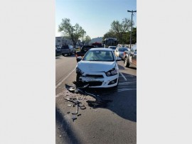 Three people were injured in an accident along Old Main Road this morning. PHOTO: ER24