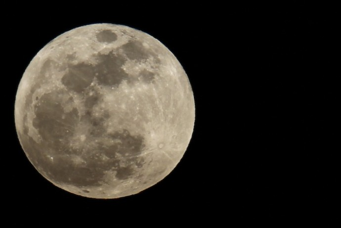 5 of the best places to view the supermoon