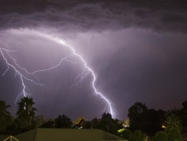 Cloud_to_ground_lightning_strikes_south-west_of_Wagga_Wagga