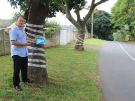 Glenhills resident, Emil Swanepoel, said residents would be making their own signs to highlight the danger of the curve on Longwoods Drive. Last year, the City approved a request to make the signs but to date, no work has been completed.