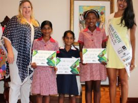 Elisabeth Pretorius, Park Boulevard Centre manager with the top three Smart Art winners, Kiara Rhamdani who placed second with, Riya Ramlall, the winner and Andile Shangase who placed third with Miss Earth Fire, Mireesha Narsai.