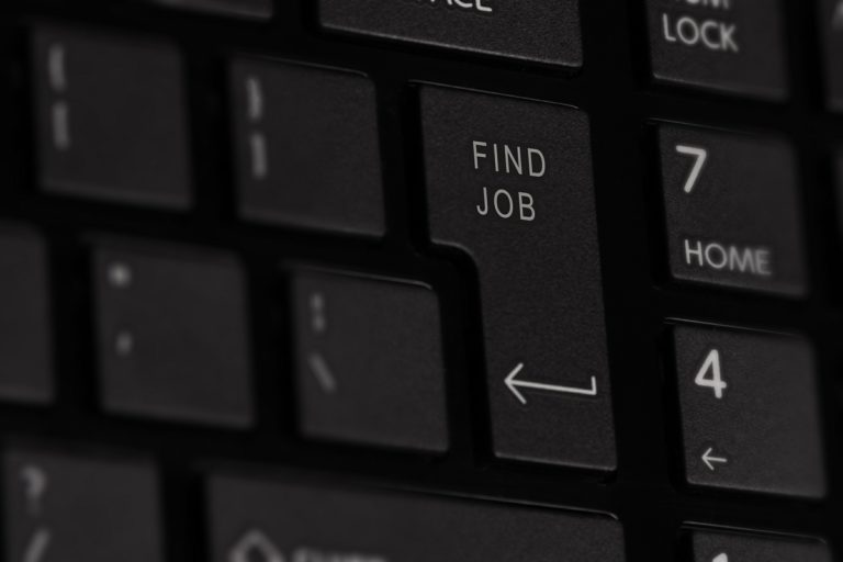 Sri Lanka unemployment rate rises to 4.5 percent, youth