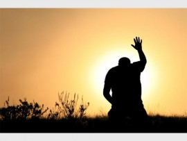 prayer-in-field_44594