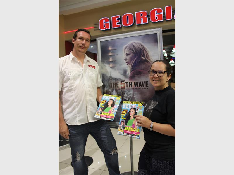 Moviegoers survive the 5th Wave   South Coast Herald