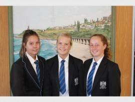 Hartlik geluk: Hoërskool Suid-Natal is baie trots op Suidies (van links) Bronwin Day-Garden, Dehandré Schoombie en Kayla Parsons vir hul uitmuntende prestasies.
