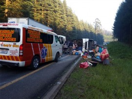 Eighteen people  were injured when a bus overturned on the N2 near Harding. PHOTO BY KWAZULU PRIVATE AMBULANCE