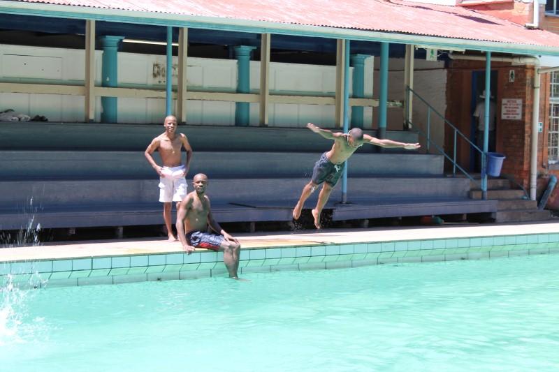 Pietermaritzburg Residents Cool Down In Municipal Pools Public Eye