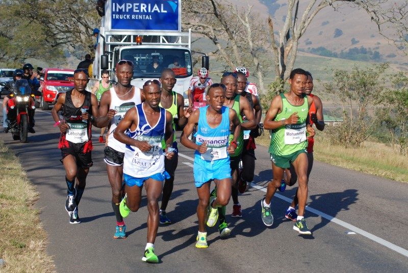 Comrades 2015 maritzburg sun gift kelehe in a tight bunch in inchanga pic mark wing negle Images