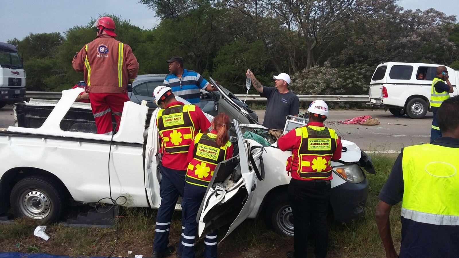 Bakkie crashes onto oncoming traffic on N3 | Maritzburg Sun