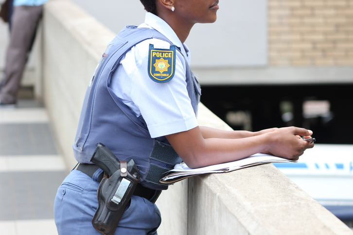 Police officers are required to carry their police appointment certificates at all times