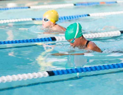 Kaylee McLaren Ella-May Classen go head-to-head in the breaststroke