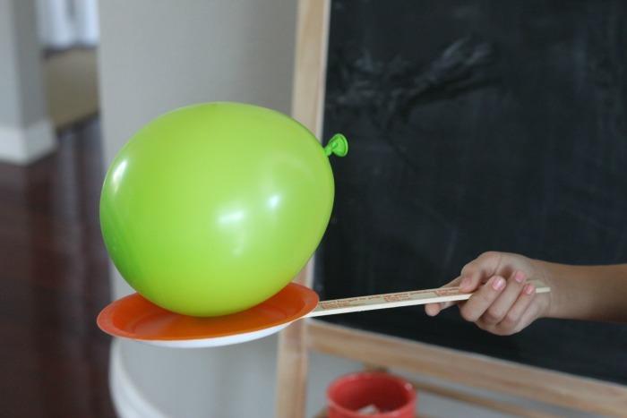 Play balloon tennis zululand observer for Fun balloon games for kids