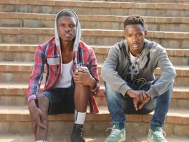 Iqembu le-Hip Hop laseMlazi i- Musiholiqs, kwesokunxele uMzwandile Ngwenya (21) no Ncazelo Mtolo (21) abaseMlazi kwa G. Isithombe: Sithunyelwe