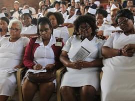 Bagubhe usuku lonoMpilo KwaDabeka Clinic ngeledlule.Isthombe: Zama Mathonsi