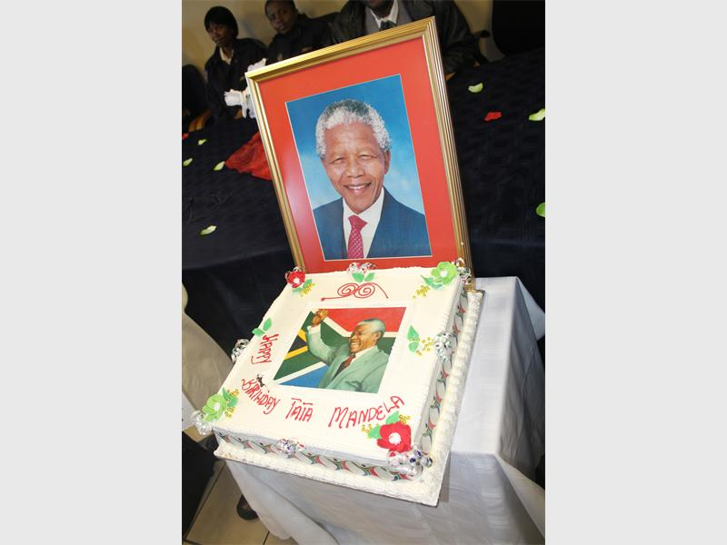 Birthday Cakes Midrand ~ Police put smiles on many faces midrand reporter