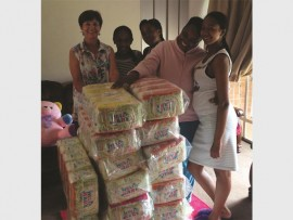 Staff of Morester Home Meah graciously receive the donation from Majuba Rotary.