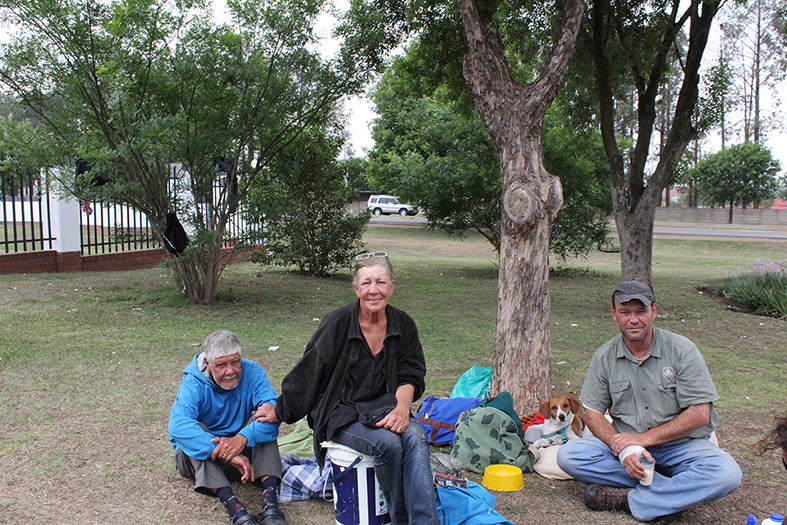 Allan and Collette Ritchie with Casper Potgieter and their dog Oore.
