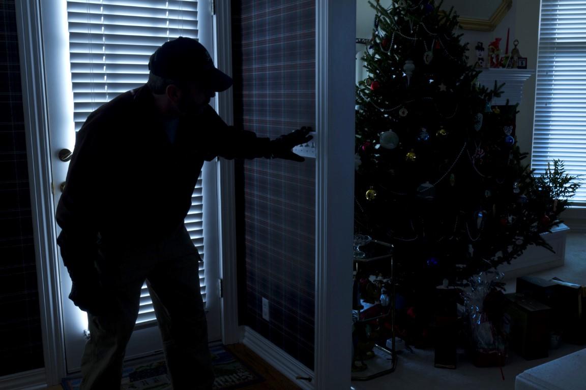 Αποτέλεσμα εικόνας για thief in house